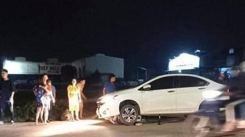 Hà Nội: 2 cô gái trẻ nguy kịch sau khi liên tiếp bị 2 ô tô tông trúng rồi kéo lê hàng trăm mét, tài xế bỏ chạy bỏ mặc nạn nhân