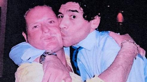 'Chiến hữu' lừng danh kể lại phi vụ kỳ quặc 'vừa say vừa đá bóng' cùng Maradona
