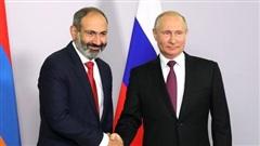 Tổng thống Putin đã trở thành 'vị cứu tinh' của Armenia như thế nào?