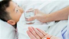 Nghiên cứu cho thấy trẻ dùng kháng sinh có nguy cơ bị dị ứng, hen suyễn và các bệnh khác cao hơn trẻ không dùng