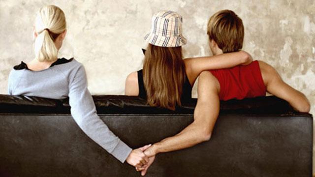 Tán đổ cô gái khác nhưng khẳng định vẫn chung thủy với người yêu, chàng trai bị dân mạng chửi 'sấp mặt'