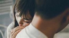 5 ngày sau khi ở viện về, nhìn vợ với chiếc bụng bầu giả to vượt mặt mà tôi đau quặn lòng
