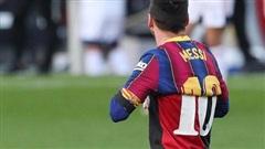 Cởi áo tri ân huyền thoại, Messi nộp phạt 'nóng' 3.000 euro