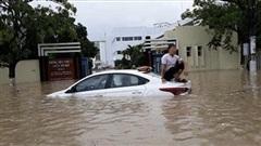 Nước lũ về quá nhanh, Khánh Hòa chìm trong biển nước