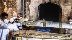 Khai quật lăng mộ 2500 năm tuổi, tìm thấy hàng loạt lời nguyền xác ướp Ai Cập khắc trên tường