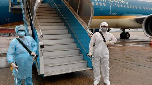 Đình chỉ công tác Trưởng đoàn tiếp viên hàng không của Vietnam Airlines