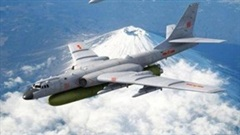 """Máy bay ném bom của Trung Quốc khiến Hải quân Mỹ lo """"sốt vó"""""""