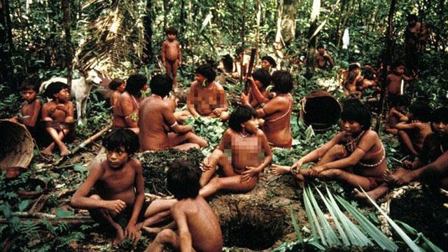 Chuyện lạ: Rợn người bộ tộc dùng tro cốt người chết làm thức ăn
