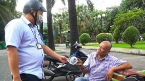 TP.HCM: Ra quân nhắc nhở, xử phạt không đeo khẩu trang nơi công cộng