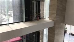 Vụ người đàn ông rơi từ tầng 2 thang máy chung cư xuống đất ở Hà Nội: 'Thang do chủ đầu tư lắp đặt thêm, sai thiết kế và vận hành chui'