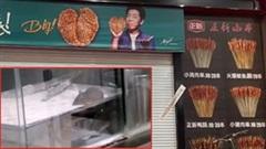 Đang ăn gà rán, thực khách hoảng hốt thấy chuột bò trên khay bột mỳ