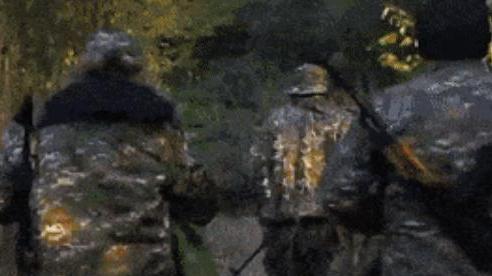 Báo Armenia hé lộ bí mật động trời: 300 tay súng vẫn đang 'cố thủ' trong rừng ở Karabakh