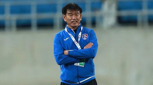 Lo 'tái mặt' trước viễn cảnh giải thể, CLB V.League bất ngờ nhận tin vui