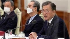 Covid-19: TT Hàn Quốc mạnh tay, Mỹ khuyến cáo người đã tiêm vắc-xin