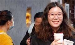 Clip 'cà phê lỗ' hút khách mùa dịch nCoV ở Trung Quốc
