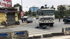 Va chạm với xe tải cẩu, người đàn ông tử vong trên QL5 kéo dài