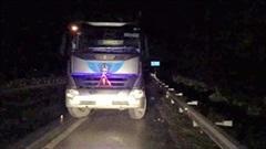 Phạt 17 triệu đồng tài xế xe tải đi ngược chiều trên cao tốc trong đêm