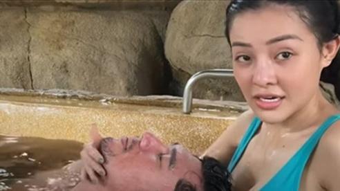 Ngân 98 dùng vòng 1 'mát xa' cho Lương Bằng Quang khiến dân mạng 'nhức mắt'