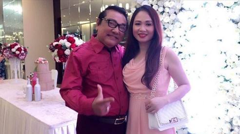 Ở tuổi U80 nghệ sĩ Phú Quý được vợ kém 22 tuổi lo cho 'từng miếng cháo, từng viên thuốc'