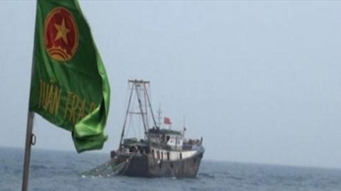 Đuổi tàu cá Trung Quốc vào gần giàn khí Thái Bình