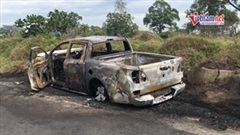 Giận vợ, chồng chạy ô tô vào nghĩa trang rồi châm lửa đốt