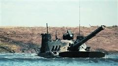 Xem xe tăng Nga nhảy dù, ngụp lặn và tỏ tình
