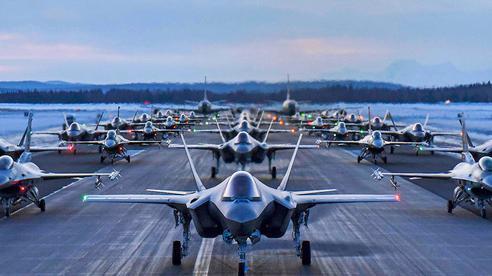 30 máy bay F-35, F-16 Không quân Mỹ 'dàn trận' sẵn sàng xuất kích: Chuyện gì đang xảy ra?