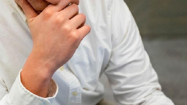 Chàng trai không quan hệ tình dục trong suốt 35 năm vì nỗi nhục ngay lần đầu 'thân mật'