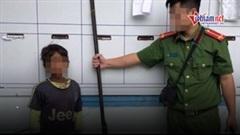 Bé trai 10 tuổi dùng súng tự chế bắn cả gia đình chị gái trọng thương