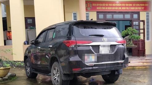 Tài xế chở 6 người Trung Quốc nghi nhập cảnh trái phép chết trong tư thế treo cổ tại nơi cách ly