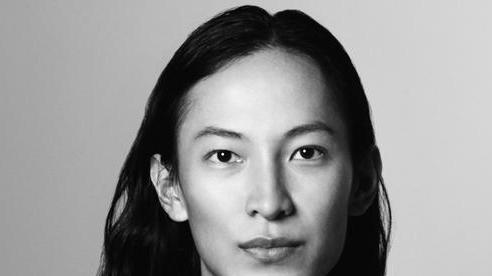 Nhà thiết kế gốc Á nổi tiếng thế giới Alexander Wang bị tố tấn công tình dục, cưỡng hiếp người mẫu nam