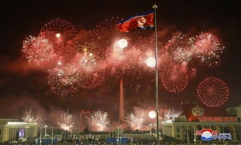 Ông Kim Jong Un viết thư tay cảm ơn người dân ủng hộ 'giai đoạn khó khăn'