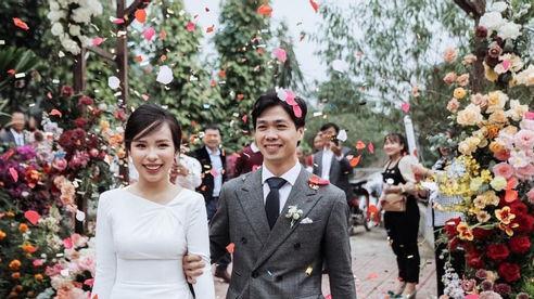 Cầu thủ Công Phượng khoe ảnh cưới trong ngày đầu năm mới