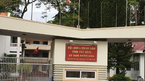 Bốn phụ nữ gây rối trước cổng UBND tỉnh bị phạt hành chính