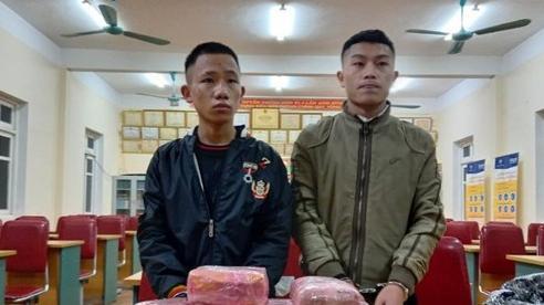 Hai nam sinh Nghệ An vận chuyển 12 bánh heroin, lấy tiền công 300 triệu đồng