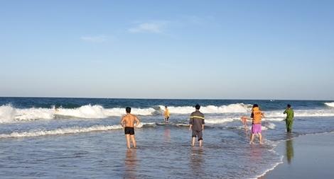 Hai du khách mất tích khi tắm biển ở Kê Gà