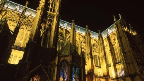 Nhà thờ Metz - công trình nghệ thuật và kiến trúc phi thường của loài người