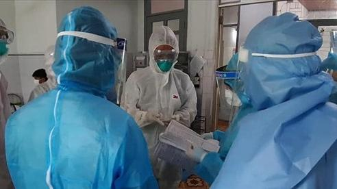 Sức khỏe của bệnh nhân mang biến chủng mới của virus SARS-CoV-2 ra sao?