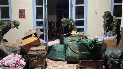 An Giang: Chốt phòng, chống dịch Covid-19 bắt lô hàng lậu trị giá 200 triệu đồng