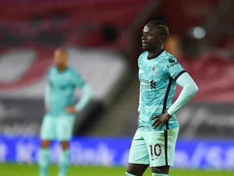 Liverpool thua sốc Southampton, M.U rộng cửa lên ngôi đầu