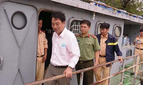 Nguyên nhân ca nô bị lật khiến Đại úy công an mất tích