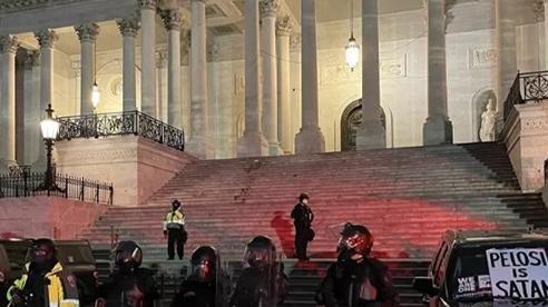Quốc hội Mỹ đã trở lại làm việc sau khi đồi Capitol an toàn