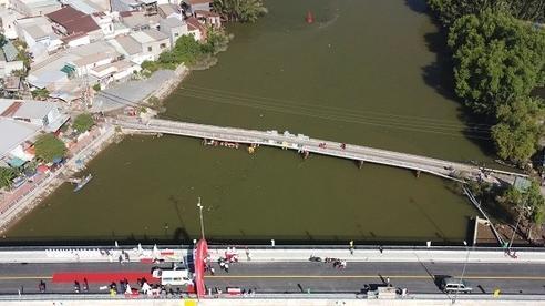 Cầu 405 tỷ ở Sài Gòn thông xe sau 8 năm thi công