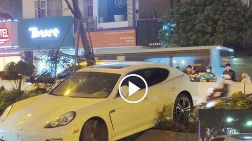Tài xế Porsche nghi bị đột quỵ gây tai nạn ở Hà Nội