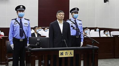Trung Quốc 'diệt sâu' nhận hối lộ hơn 300 tỉ đồng