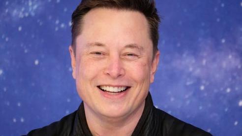 Phản ứng 'lạ' của tỉ phú Elon Musk khi trở thành người giàu nhất thế giới