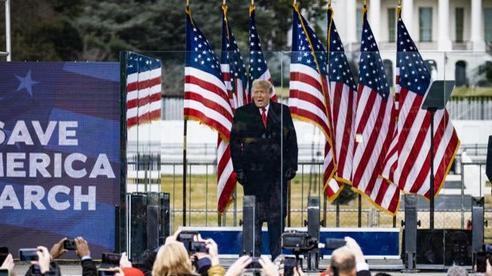 Tổng thống Trump dịu giọng kêu gọi hòa giải, đối mặt nguy cơ bị điều tra