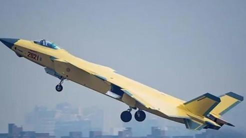 Trung Quốc 'loay hoay' gạt bỏ động cơ Nga khỏi loạt phi cơ chiến đấu tàng hình J-20