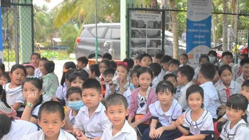 Niềm vui học sinh được đón ngôi trường mới