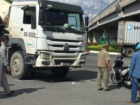 Nữ nhân viên bảo vệ bị xe bồn cán tử vong tại vòng xoay cầu vượt Hoá An